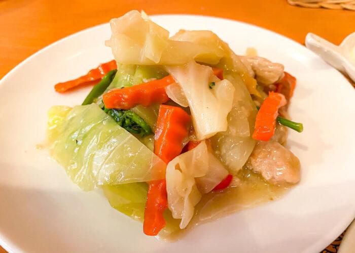 ドゥワンディーで食べた豚肉と野菜の炒め物