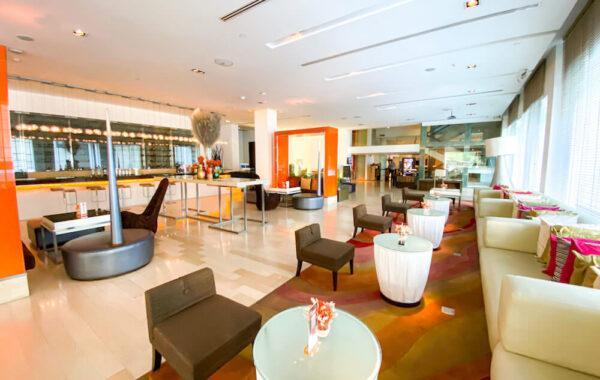 デュシット D2 ホテル(Dusit D2 Chiang Mai Hotel)のエントランスロビー1