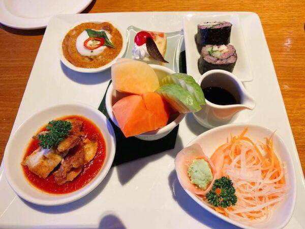 デュシット D2 ホテル(Dusit D2 Chiang Mai Hotel)のクラブラウンジで食べた軽食セット