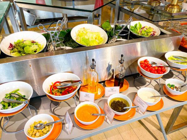 デュシット D2 ホテル(Dusit D2 Chiang Mai Hotel)の朝食ビュッフェ1