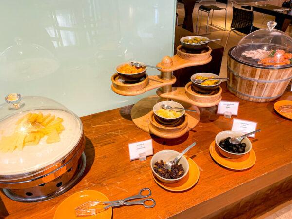 デュシット D2 ホテル(Dusit D2 Chiang Mai Hotel)の朝食ビュッフェ2