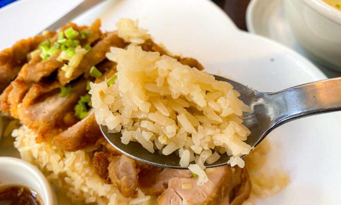博多カオマンガイ万国屋で食べたカオマンガイのお米