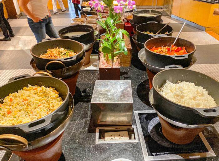 プルマン バンコク ホテル G(Pullman Bangkok Hotel G)の朝食ビュッフェ1