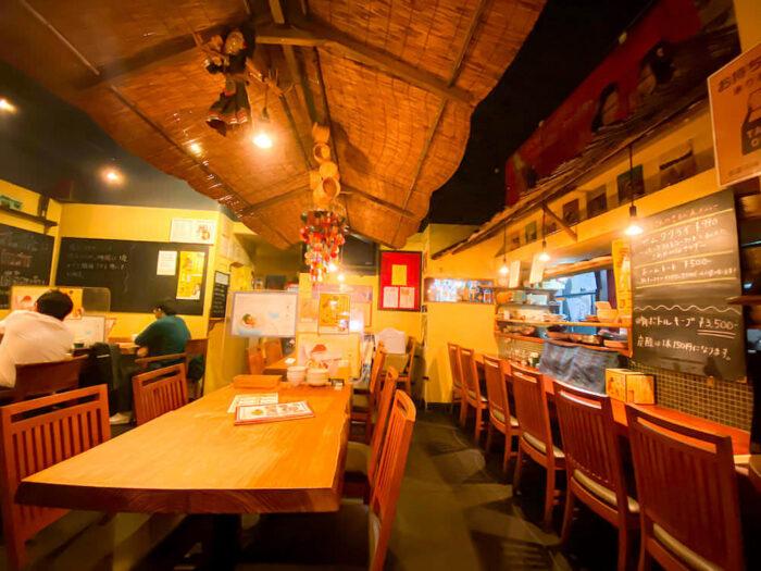 タイ料理レストラン「カオサン」の店内