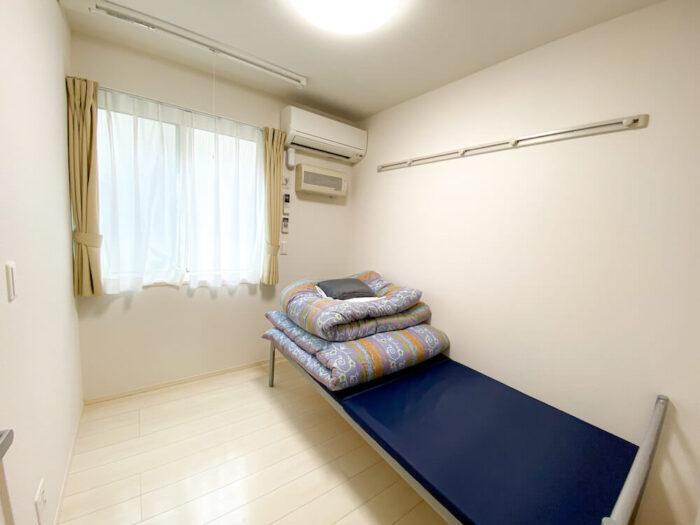 一部共用タイプ個室寮の寝室