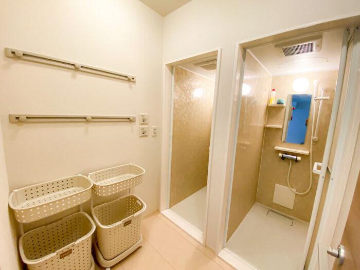 一部共用タイプ個室寮のシャワールーム