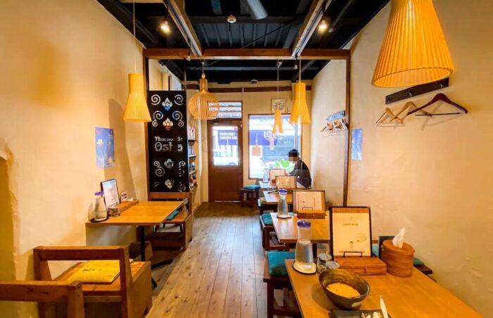 タイ屋台料理 アンド ヌードル オシャの店内1