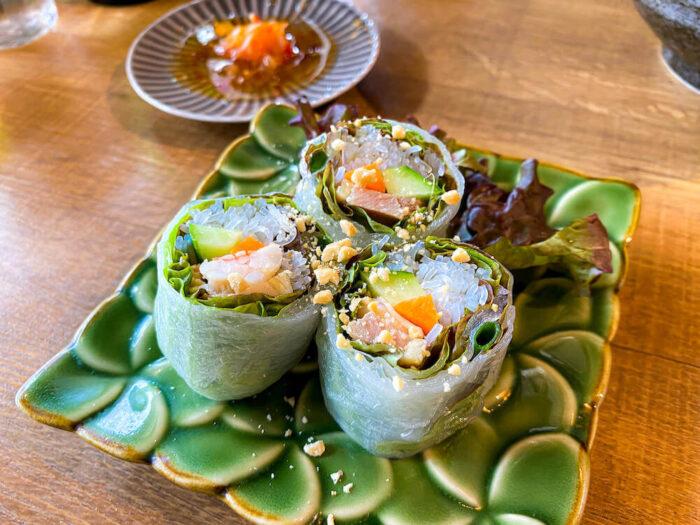 タイ屋台料理 アンド ヌードル オシャで食べた生春巻き1