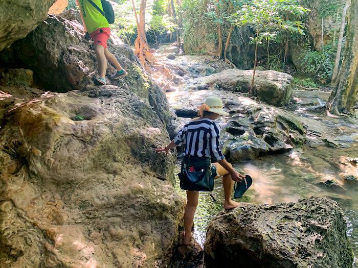 エラワンの滝6段目から7段目への道中