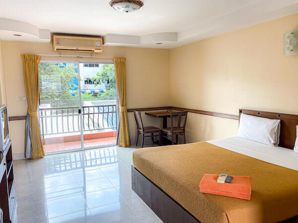 ナビン マンション 2(Navin Mansion 2)の部屋2