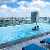 屋上プールからの眺めが良い!アーリー駅近くのおすすめホテル「ザ クォーター アーリー by UHG」