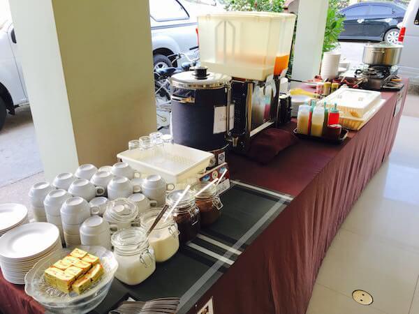 777 ホームテル (777 Hometel)の朝食1