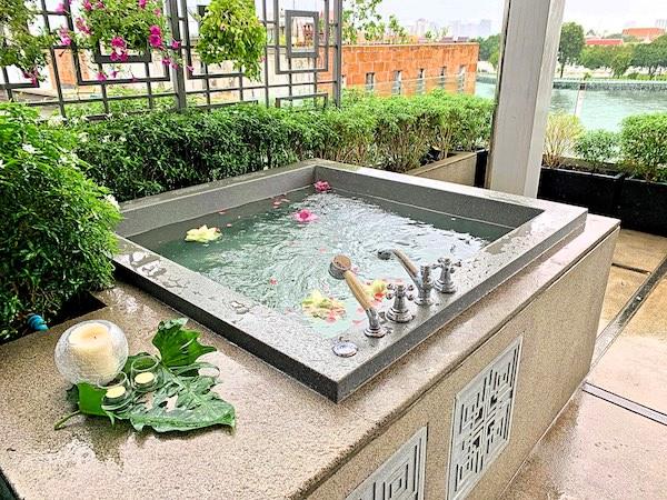 リヴァ アルン バンコク (Riva Arun Bangkok)のジャグジー風呂