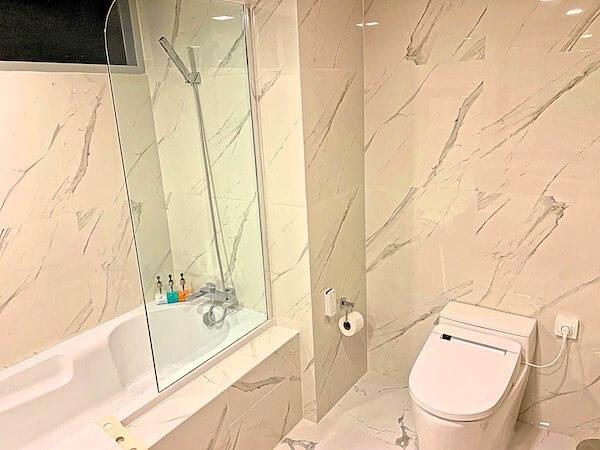 アデルフィ グランデ スクンビット (Adelphi Grande Sukhumvit)のバスルーム