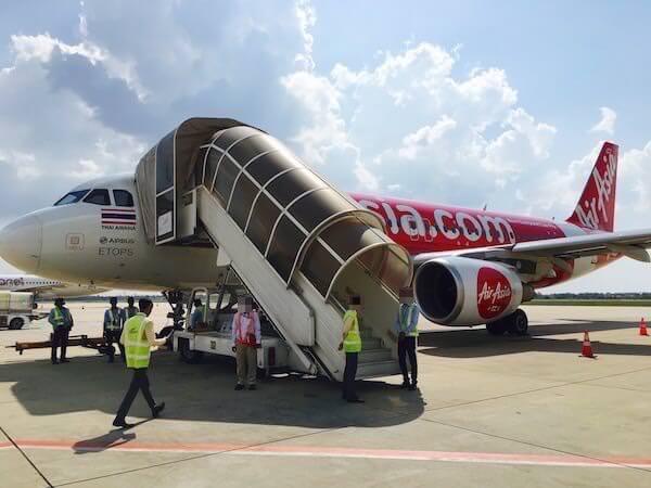シェムリアップ行きのエア・アジア航空機