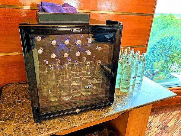アマリ ドンムアン エアポート バンコクホテル(Amari Don Muang Airport Bangkok Hotel)のフィットネスジムに備えられている無料の水