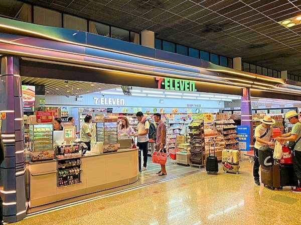 ドンムアン空港内のセブンイレブン