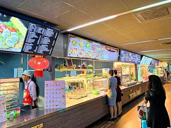 ドンムアン空港4階にある24時間営業のフードコート2