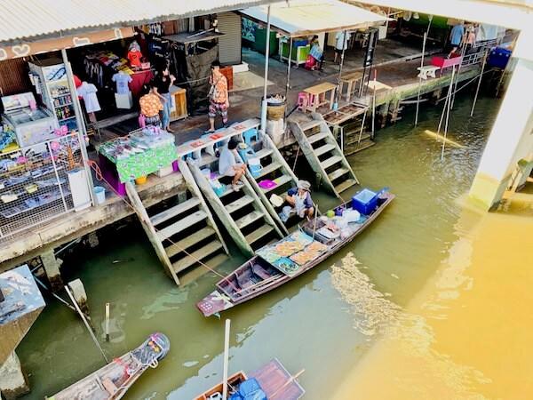 アンパワー水上マーケットの様子1