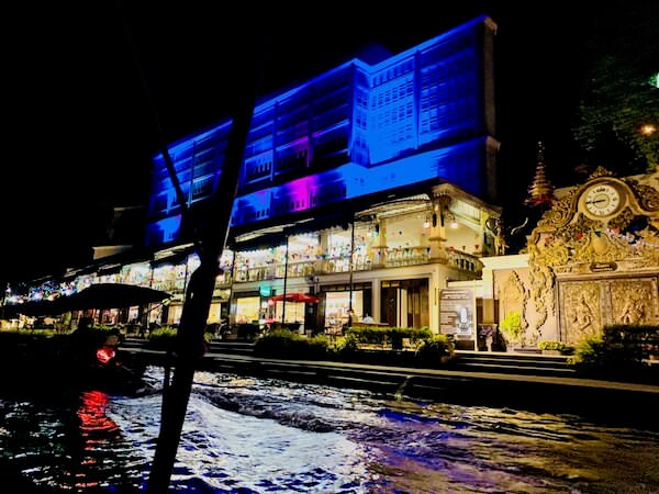 アンパワー水上マーケット周辺の建物
