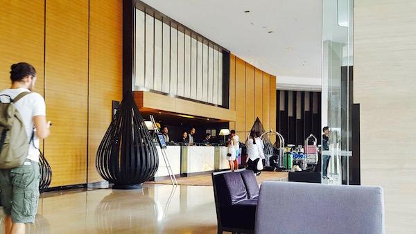 アナンタラ サトーン サトーン バンコク ホテルのチェックインロビー