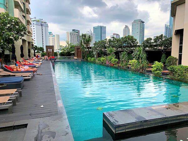 アナンタラ サトーン バンコク ホテル(Anantara Sathorn Bangkok Hotel)のプール