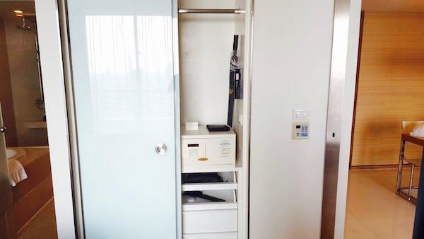 アナンタラ サトーン サトーン バンコク ホテルのベッドルーム2