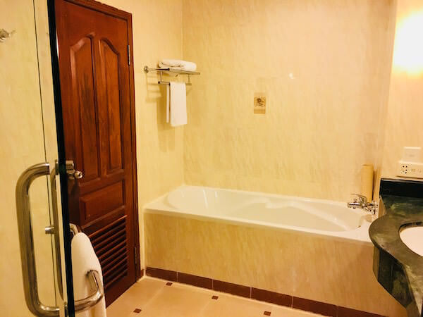 アンコール パラダイス ホテル (Angkor Paradise Hotel)のバスルーム2