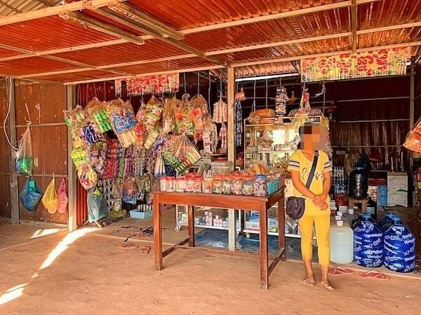 アンコール ランデブー(Angkor Rendezvous)向かいの個人商店