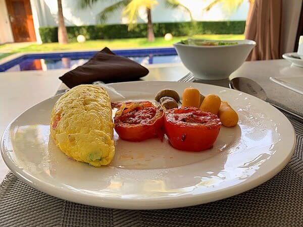 アンコール ランデブー(Angkor Rendezvous)のオムレツ朝食