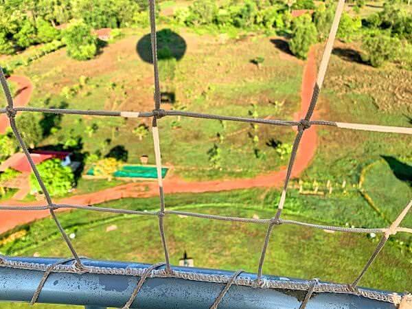 上昇中の気球ゴンドラから見える風景1
