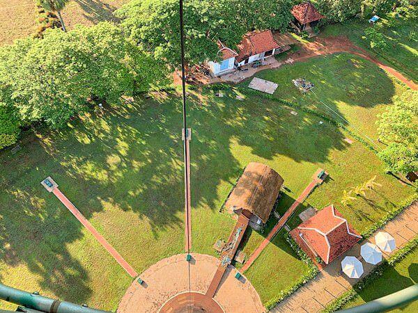 上昇中の気球ゴンドラから見える風景2