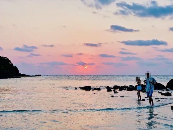 アオプラオビーチから見える夕日