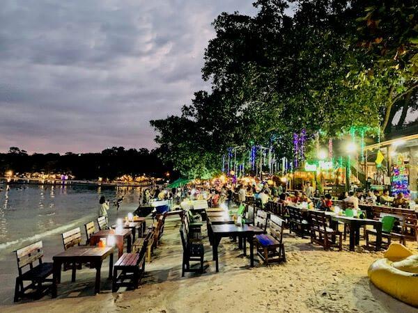 アオウォンドゥアンビーチのレストラン