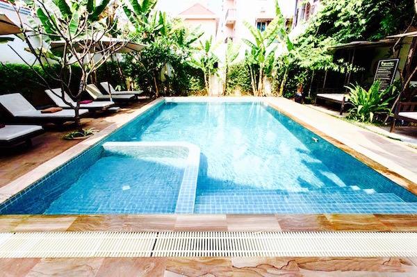 アプサラ セントレポール ホテル(Apsara Centrepole Hotel)のプール