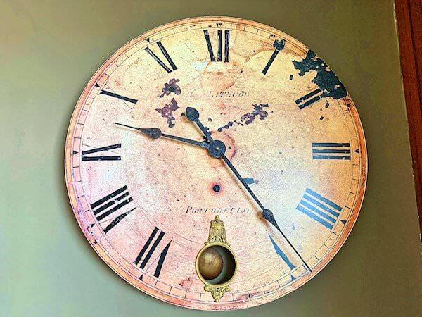 アルン レジデンス(Arun Residence)の時計