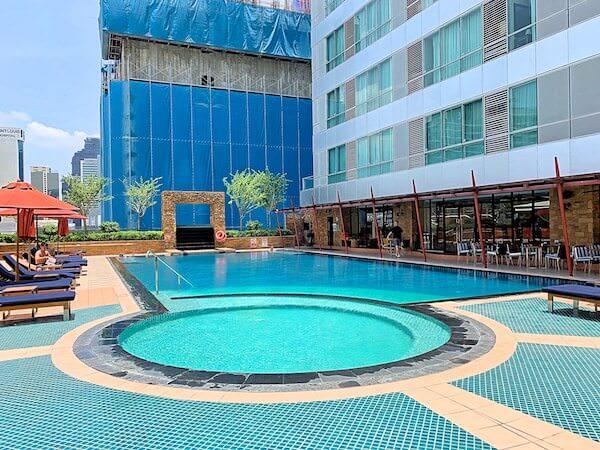 アスコット サトーン バンコク(Ascott Sathorn Bangkok)のプール