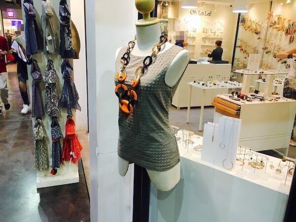アジアティークのセンスの良い女性物洋服店