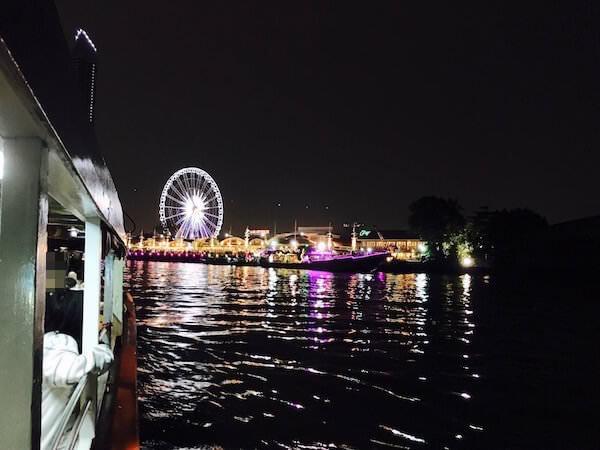 アジアティーク行きのシャトルボートから見える景色