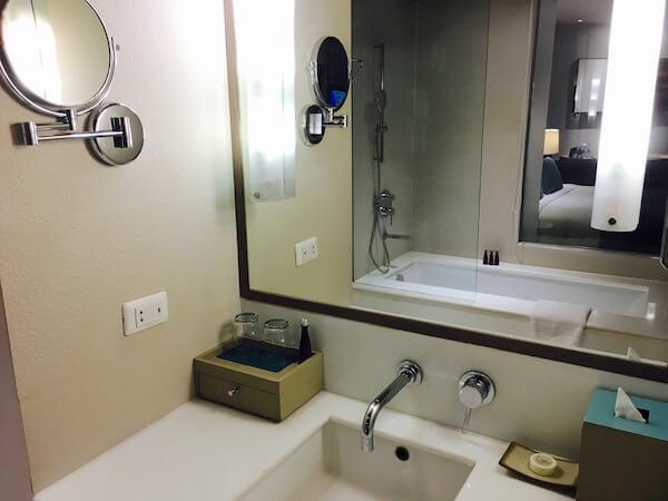 AVANI パタヤ リゾート&スパ (AVANI Pattaya Resort & Spa)のバスルーム2