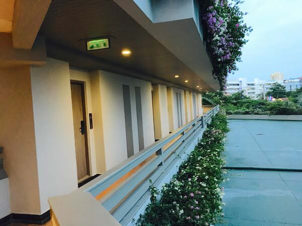 AVANI パタヤ リゾート&スパ (AVANI Pattaya Resort & Spa)のホテル内通路1