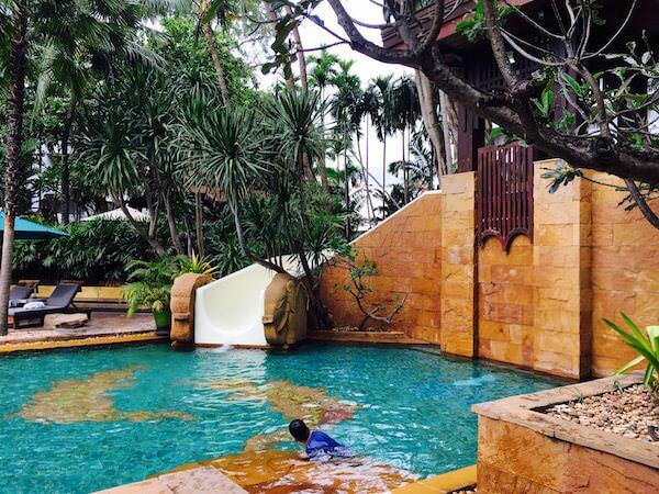 AVANI パタヤ リゾート&スパ (AVANI Pattaya Resort & Spa)のプール2
