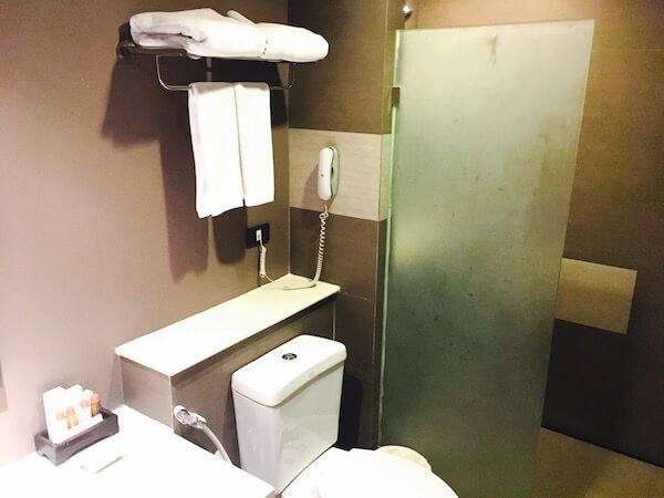 アヤ ブティック ホテル パタヤ (Aya Boutique Hotel Pattaya)のシャワールーム1