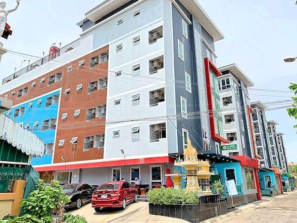 B ユア ホーム ホテル ドンムアン エアポート バンコク(B-your home Hotel Donmueang Airport Bangkok)の外観