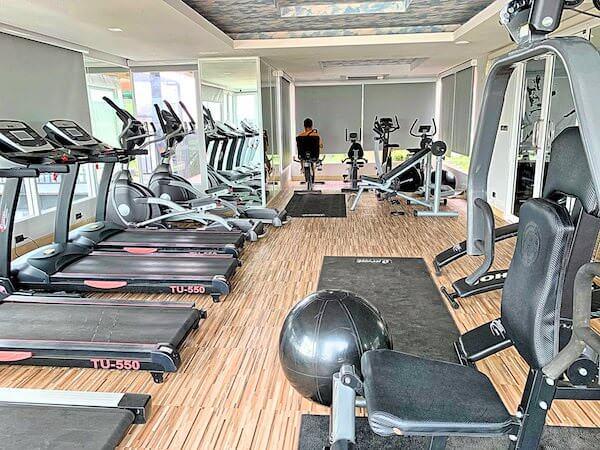 B ユア ホーム ホテル ドンムアン エアポート バンコク(B-your home Hotel Donmueang Airport Bangkok)のフィットネスジム