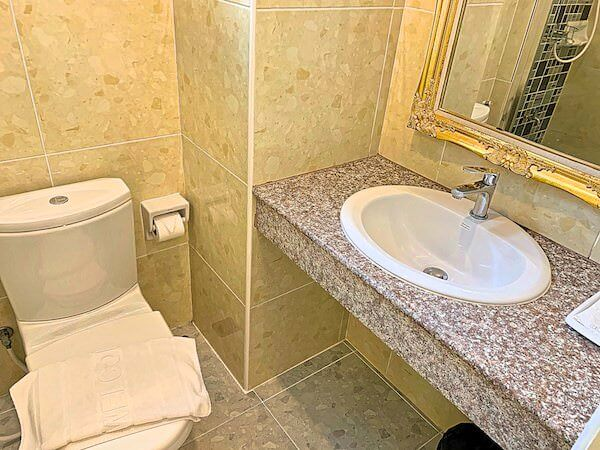 B ユア ホーム ホテル ドンムアン エアポート バンコク(B-your home Hotel Donmueang Airport Bangkok)のシャワールーム