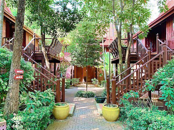 バーン アムパワ リゾート アンド スパ(Baan Amphawa Resort and Spa)の敷地内