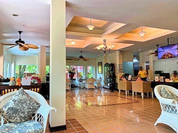 バーン アムパワ リゾート アンド スパ(Baan Amphawa Resort and Spa)のレセプション棟