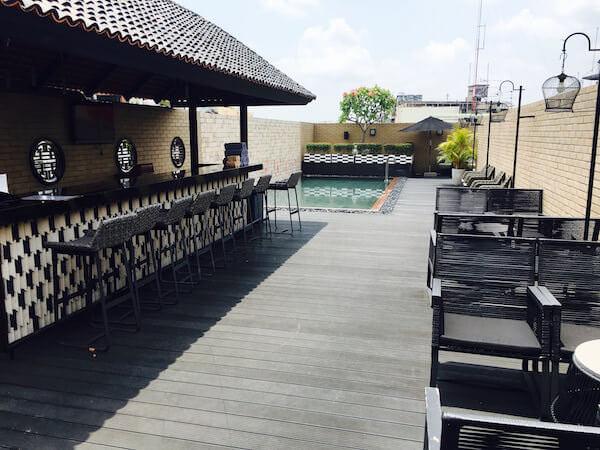 バーン チャート ホテル(Baan Chart Hotel)のプール1