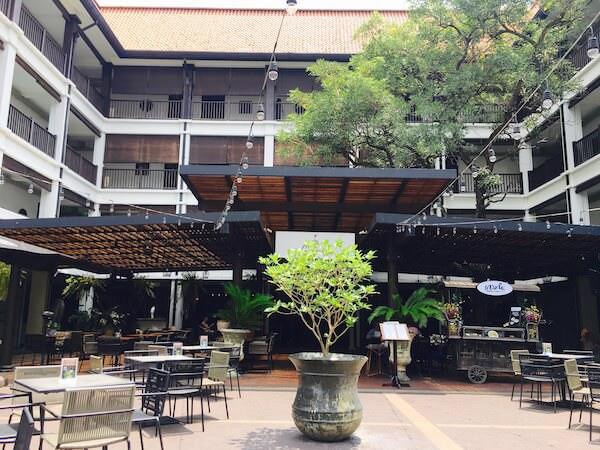 バーン チャート ホテル(Baan Chart Hotel)の外観